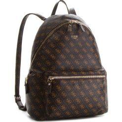 Plecak GUESS - HWQE45 57320  BRO. Brązowe plecaki damskie Guess, ze skóry ekologicznej, klasyczne. Za 599.00 zł.