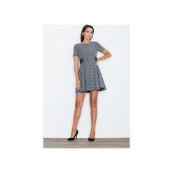 Sukienka M444 Żakard. Szare sukienki damskie Figl, z żakardem, eleganckie, z krótkim rękawem. Za 169.00 zł.