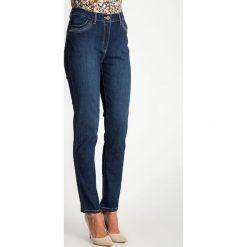 Niebieskie jeansy ze srebrnymi elementami QUIOSQUE. Niebieskie jeansy damskie QUIOSQUE. W wyprzedaży za 79.99 zł.