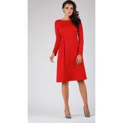 Czerwona Elegancka Sukienka do Kolana z Dekoracyjnym Marszczeniem. Czerwone sukienki damskie Molly.pl, biznesowe, z dekoltem na plecach. W wyprzedaży za 125.46 zł.