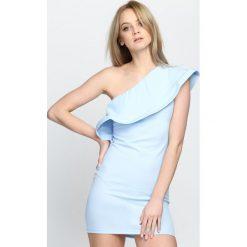 Niebieska Sukienka Loves Me Like You Do. Niebieskie sukienki damskie Born2be, na lato. Za 64.99 zł.