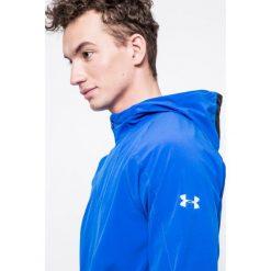 Under Armour - Kurtka Outrun The Storm. Niebieskie kurtki męskie Under Armour. W wyprzedaży za 239.90 zł.