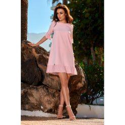 Kobieca sukienka z falbanką l243. Czerwone sukienki damskie Lemoniade, eleganckie, z falbankami. W wyprzedaży za 139.00 zł.