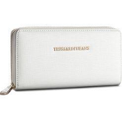Duży Portfel Damski TRUSSARDI JEANS - Aspen 75W00015 W001. Białe portfele damskie TRUSSARDI JEANS, z jeansu. W wyprzedaży za 239.00 zł.