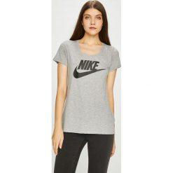 Nike Sportswear - Top sportowy. Szare topy damskie Nike Sportswear, z nadrukiem, z bawełny, z okrągłym kołnierzem, z krótkim rękawem. W wyprzedaży za 84.90 zł.