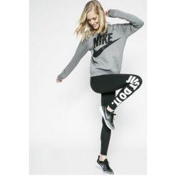 Nike Sportswear - Legginsy. Szare legginsy damskie Nike Sportswear, z nadrukiem, z bawełny. Za 119.90 zł.