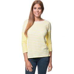 Koszulka w kolorze żółto-białym. Bluzki damskie Benetton, w paski, z okrągłym kołnierzem. W wyprzedaży za 64.95 zł.