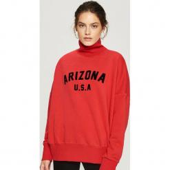 Bluza z golfem - Czerwony. Bluzy damskie marki Sinsay. W wyprzedaży za 39.99 zł.