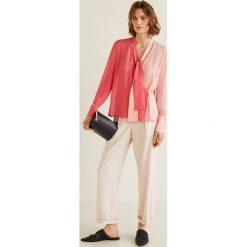 Mango - Bluzka Bicolor. Różowe bluzki damskie Mango, z materiału, eleganckie, z krótkim rękawem. Za 139.90 zł.
