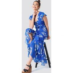 Trendyol Sukienka z falbaną i wiązaniem - Blue. Niebieskie sukienki damskie Trendyol, z poliesteru, z falbankami, z krótkim rękawem. Za 161.95 zł.