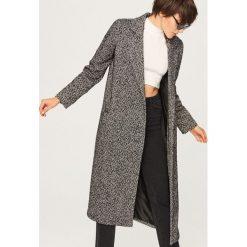 Szary płaszcz w jodełkę - Wielobarwn. Szare płaszcze damskie Reserved. Za 299.99 zł.
