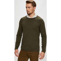 Jack & Jones - Sweter. Brązowe swetry przez głowę męskie Jack & Jones, z bawełny, z okrągłym kołnierzem. W wyprzedaży za 99.90 zł.