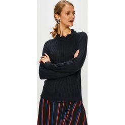 Jacqueline de Yong - Sweter. Czarne swetry damskie Jacqueline de Yong, z dzianiny, z okrągłym kołnierzem. W wyprzedaży za 59.90 zł.