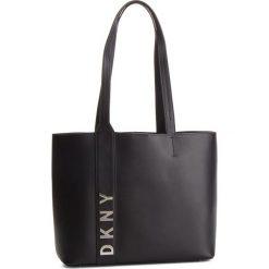 Torebka DKNY - Bedford Lg Tote R83AH641 Black/Silver BSV. Czarne torebki do ręki damskie DKNY, ze skóry. Za 1,109.00 zł.