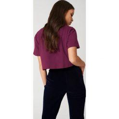 NA-KD Basic Krótki T-shirt oversize - Purple. Fioletowe t-shirty damskie NA-KD Basic, z bawełny. W wyprzedaży za 19.57 zł.