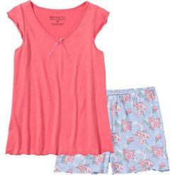 Piżama z krótkimi spodenkami bonprix jasnoróżowy w kwiaty. Czerwone piżamy damskie bonprix, w kwiaty, z krótkim rękawem. Za 49.99 zł.