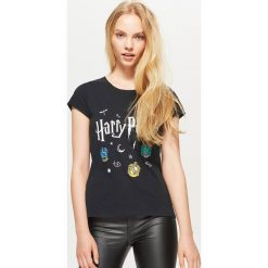 Koszulka HARRY POTTER - Czarny. Czarne t-shirty damskie Cropp. Za 39.99 zł.