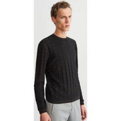 Bluza ze strukturalnej dzianiny - Czarny. Czarne bluzy męskie Reserved, z dzianiny. Za 99.99 zł.