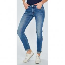 Calvin Klein Jeans - Jeansy Modern Classics. Niebieskie jeansy damskie Calvin Klein Jeans. W wyprzedaży za 399.90 zł.
