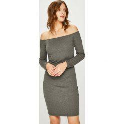 Answear - Sukienka. Szare sukienki damskie ANSWEAR, z bawełny, casualowe, z dekoltem w łódkę. W wyprzedaży za 59.90 zł.
