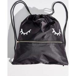 Plecak worek z zamkiem - Czarny. Plecaki damskie marki QUECHUA. W wyprzedaży za 29.99 zł.