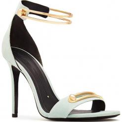 Skórzane sandały w kolorze jasnozielono-złotym. Zielone sandały damskie Stella Luna, w paski, ze skóry. W wyprzedaży za 636.95 zł.