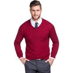 Sweter FABRIZIO SWTR000140. Czerwone swetry przez głowę męskie Giacomo Conti, na jesień, z bawełny, dekolt w kształcie v. Za 149.00 zł.