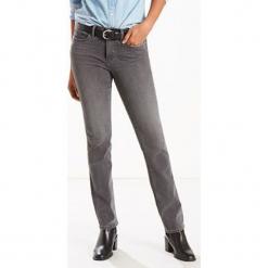 """Dżinsy """"312®"""" - Slim fit - w kolorze szarym. Szare jeansy damskie Levi's. W wyprzedaży za 173.95 zł."""