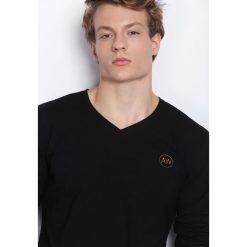 Czarna Koszulka Nights Away. Bluzki z długim rękawem męskie marki Marie Zélie. Za 34.99 zł.