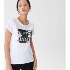 T-shirt z cekinami - Biały. T-shirty damskie marki DOMYOS. W wyprzedaży za 19.99 zł.