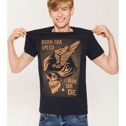 T-shirt z motocyklowym motywem - Granatowy. Niebieskie t-shirty męskie House. Za 39.99 zł.