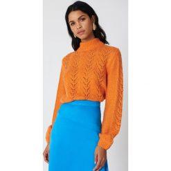 NA-KD Dzianinowy sweter - Orange. Swetry damskie NA-KD, z dzianiny, z golfem. W wyprzedaży za 60.89 zł.