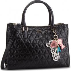 Torebka GUESS - HWSG71 81070 BLA. Czarne torebki do ręki damskie Guess, z aplikacjami, ze skóry ekologicznej. Za 699.00 zł.