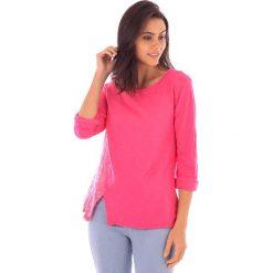 Koszulka w kolorze różowym. Bluzki damskie fille de Coton, z bawełny, klasyczne, z okrągłym kołnierzem. W wyprzedaży za 86.95 zł.