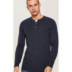 Sweter z guzikami - Granatowy. Swetry przez głowę męskie marki Giacomo Conti. W wyprzedaży za 59.99 zł.