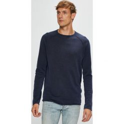 Tom Tailor Denim - Sweter. Szare swetry przez głowę męskie Tom Tailor Denim, z bawełny, z okrągłym kołnierzem. W wyprzedaży za 129.90 zł.