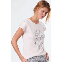 Etam - Top piżamowy Reine. Szare piżamy damskie Etam, z nadrukiem, z bawełny, z krótkim rękawem. W wyprzedaży za 49.90 zł.