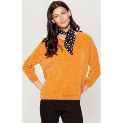 Luźny sweter basic - Żółty. Żółte swetry damskie Mohito. Za 89.99 zł.