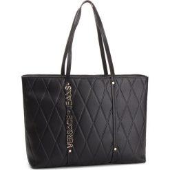 Torebka VERSACE JEANS - E1VSBBL5 70712 899. Czarne torebki do ręki damskie Versace Jeans, z jeansu. W wyprzedaży za 479.00 zł.