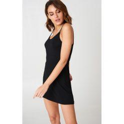 NA-KD Basic Sukienka NA-KD Basic - Black. Czarne sukienki damskie NA-KD Basic, na ramiączkach. Za 60.95 zł.