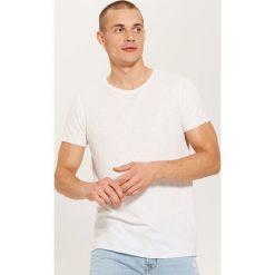 T-shirt basic - Biały. T-shirty damskie marki Giacomo Conti. W wyprzedaży za 19.99 zł.