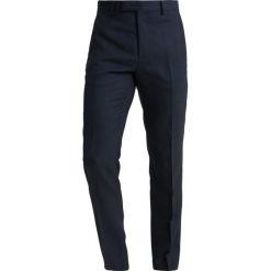 Ted Baker TIMELESS BIRDSEYE TROUSERS Spodnie garniturowe navy. Spodnie materiałowe męskie Ted Baker, z materiału. W wyprzedaży za 421.85 zł.