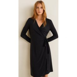 Mango - Sukienka Crossdi. Szare sukienki damskie Mango, z dzianiny, casualowe, z długim rękawem. Za 89.90 zł.