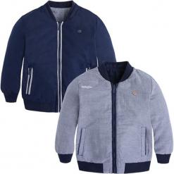 Dwustronna kurtka w kolorze granatowo-białym. Białe kurtki i płaszcze dla chłopców marki Mayoral, w kratkę. W wyprzedaży za 132.95 zł.
