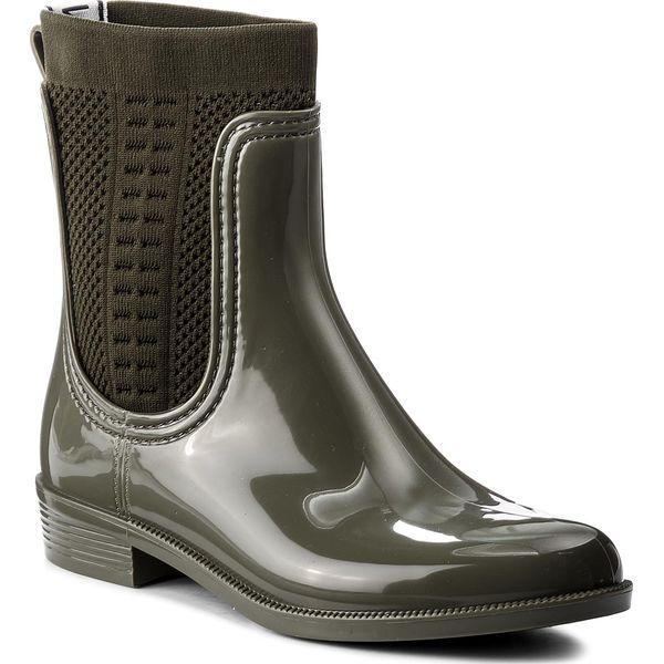 Kalosze TOMMY HILFIGER - Tommy Knit Rain Boot FW0FW02940 Dusty Olive 011. Zielone kozaki damskie Tommy Hilfiger, z materiału. W wyprzedaży za 319.00 zł.