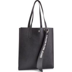 Torebka CALVIN KLEIN JEANS - Logo Banner Medium Shopper K40K400848 001. Czarne torebki shopper damskie Calvin Klein Jeans, z jeansu. Za 599.00 zł.