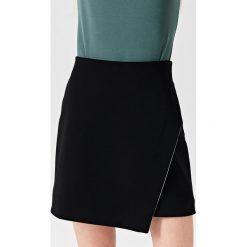 Simple - Spódnica. Czarne spódnice damskie Simple. W wyprzedaży za 239.90 zł.