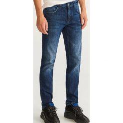 Jeansy slim fit - Granatowy. Niebieskie jeansy męskie Reserved. Za 89.99 zł.