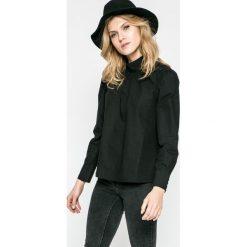 Vero Moda - Bluzka. Czarne bluzki damskie Vero Moda, z bawełny, ze stójką, z krótkim rękawem. W wyprzedaży za 69.90 zł.