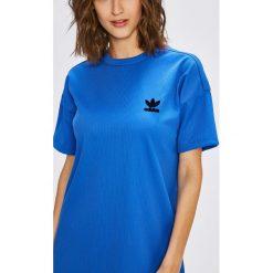 Adidas Originals - Sukienka. Szare sukienki damskie adidas Originals, z dzianiny, casualowe, z okrągłym kołnierzem, z krótkim rękawem. W wyprzedaży za 199.90 zł.